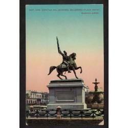 Estatua del Gral Belgrano en plaza de Mayo