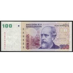 B3735 100 Pesos L 2010 UNC
