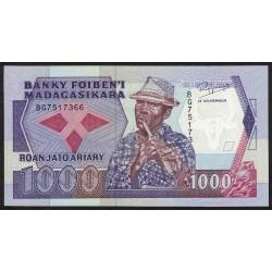 Madagascar 1000 Francos P72 UNC